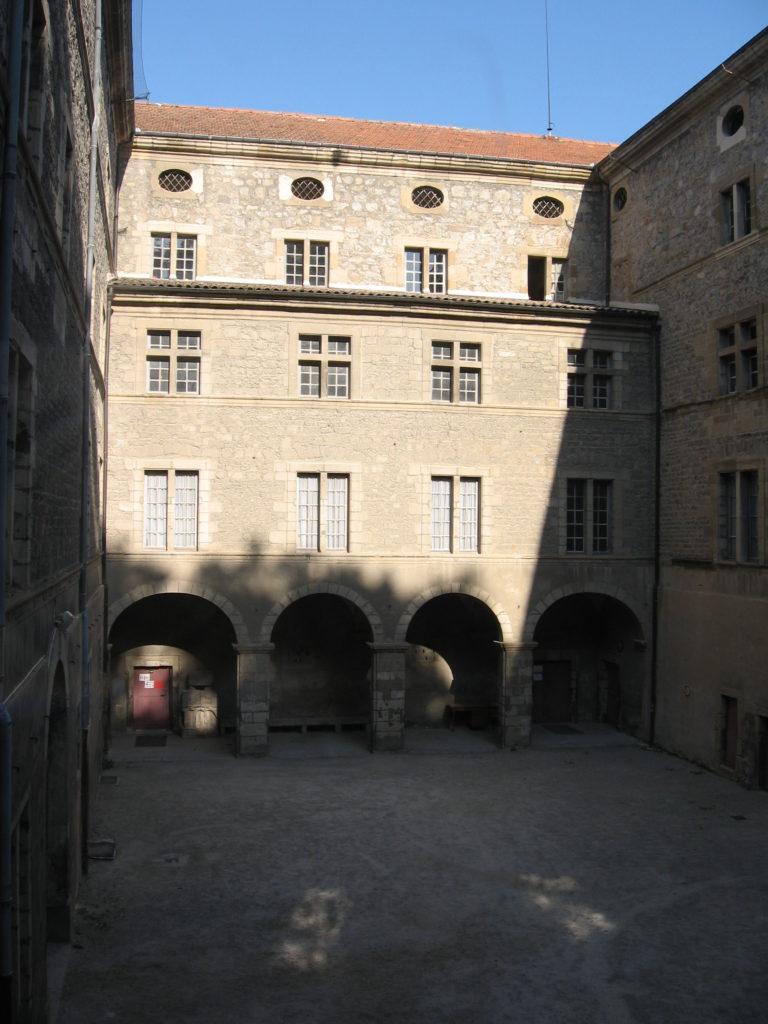 Cour d'Honneur du lycée Gabriel Faure